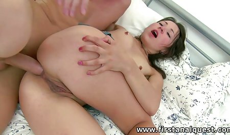 Cantik bokap mom orang Asia remaja sepong titit besar