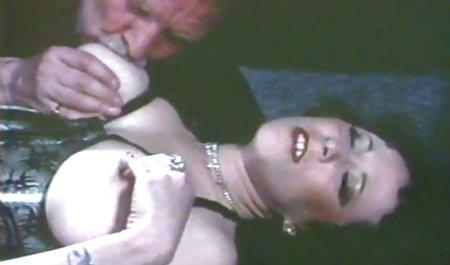 Ariella Ferrera membayar tagihan dengan panas nya bokep dengan mom lubang