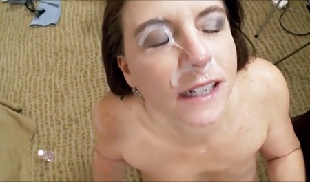 Juicy lesbian pacar potong rambut bokep moms nakal di oral kolam renang