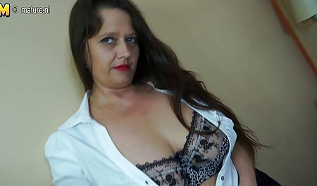 Milf perawat Fucks besar hitam Dildo di sheer stoking stiletto bokep mum