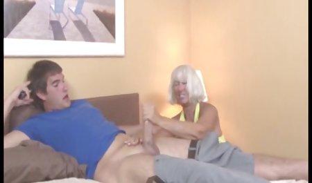 Nakal anak tiri menggoda ayah tiri dan Fucks di belakang istri bokep arab mom