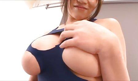 Cantik Blonde Dengan Kurva bokepindomom Menakjubkan Menggosok Vaginanya